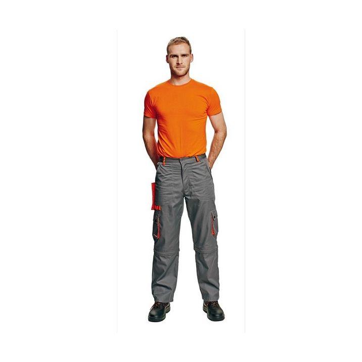 A Desman munkavédelmi derekas nadrág többfunkciós zsebekkel ellátott viselet. Kényelmes és sportos szabása miatt nemcsak a munkahelyeken, de utcai viseletként is beválik.